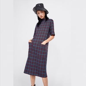 Zara Perfect Basics checkered pocket midi dress